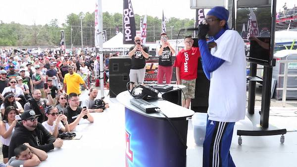 Beatboxer Emcee at large festival