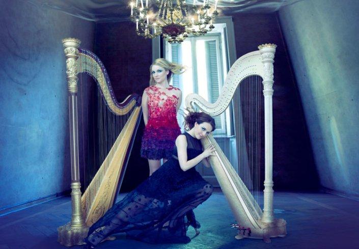 Dueling Harpists